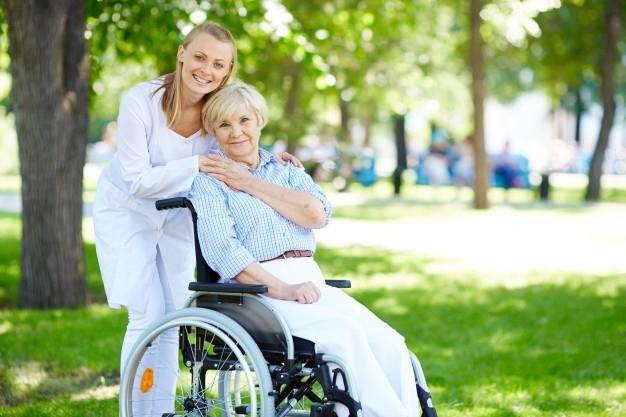 как мы заботимся о пожилом человека